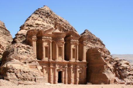 Иорданию удобнее посетить из Шарма